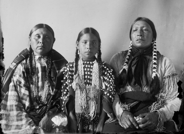 Woman-daughter-Bear-Woman-Cheyenne-1908